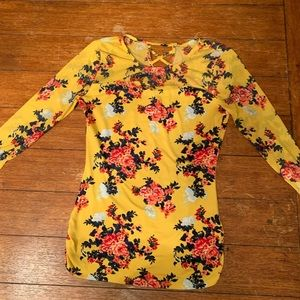 Yellow floral blouse/mesh long sleeve extra small